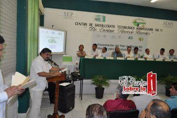 Toma posesión como director del Cbta 11 Esbel Joan Silveira Lara