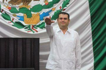 """De """"mezquino y desubicado"""" tildan isleñosa su diputado Edgar Gasca Arceo"""