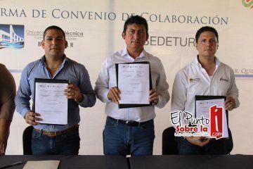 Firma Contreras Méndez convenio entre la UPB y la Secretaria De Turismo Del Estado