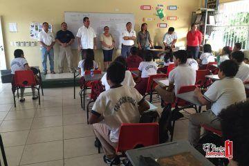 Mauricio Góngora refuerza seguridad y respeto a los derechos de los estudiantes