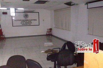 """Se le cae el """"teatro"""" al Vocal Ejecutivo del INE"""