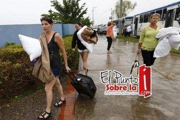 Jalisco evacuó 28 mil turistas de Puerto Vallarta