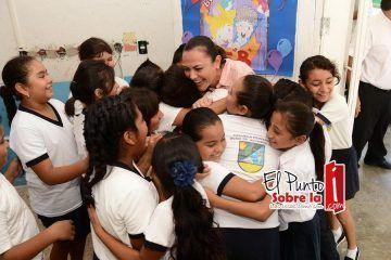 Arlet, comprometida con las familias de Quintana Roo