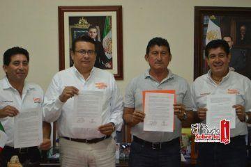 """Firma """"Chepe"""" acuerdo para descuentos en el pago del predial a los maestros del SNTE"""