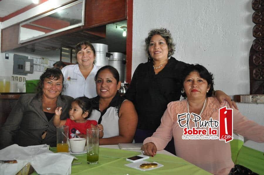 Dulia Buenfil, Isabel Pérez, Silvia Fonseca, Norma Briceño, Yuridia Bonilla y Maniel Mejía.