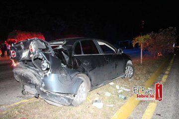Aparatoso choque carretero en Andrés Quintana Roo