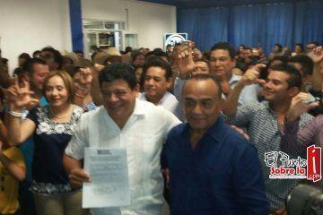 Luis Torres se registra como precandidato del PAN a la presidencia municipal de OPB