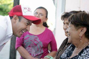 Mi prioridad, brindar atención médica de calidad a madres de familia: Juan Carrillo