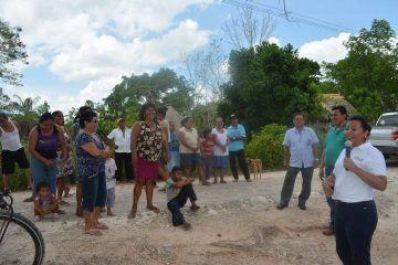 Compromete Paoly Perera mejoramiento de caminos de acceso a comunidades