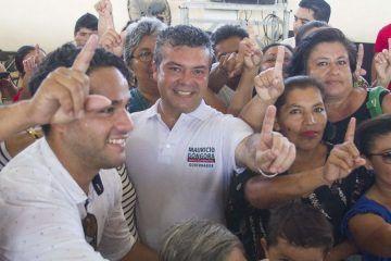 Mauricio Góngora comprometido con Quintana Roo