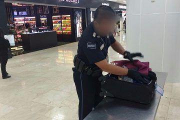 """Detienen a """"burrera"""" de coca en Aeropuerto de Cancún"""