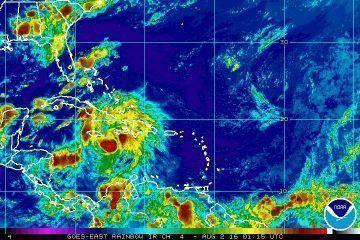 Onda tropical continúasu trayectoria hacia la Península de Yucatán