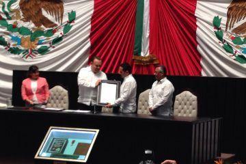 Carlos Joaquín recibe Bando Solemne como Gobernador de Quintana Roo
