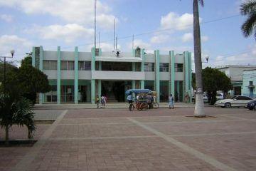 Por exceso de pago, cortan la luz al Ayuntamiento de FCP