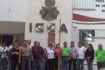 Trabajadores del IEEA reclaman Bono Sexenal