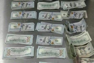 """Atoran a otro """"burrero"""" de dólares en Aeropuerto de Cancún"""