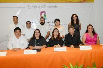Toma de protesta de asociación de hoteles del Centro y Sur de Quintana Roo para el Período 2016-2018