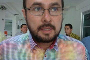 Fidel Villanueva ofrece su renuncia al Congreso del Estado