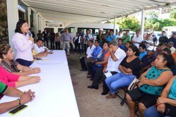 Acuerdan Paoly Perera, el cabildo y trabajadores conformar una comisión que gestione pago de adeudo