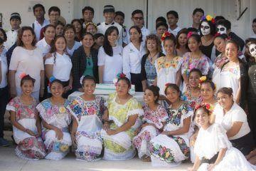 Puerto Morelos requiere del compromiso de todos: Laura Fernández