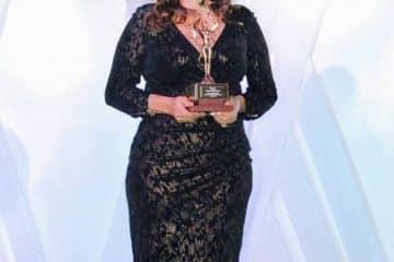 """Recibe Cora Amalia Castilla Madrid la """"Estrella Diamante 2016""""otorgada por el Círculo Internacional Periodístico"""