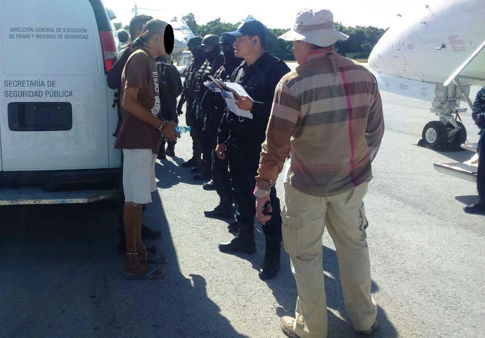 Traslado de 13 internos del CERESO de Cancún a diferentes penales