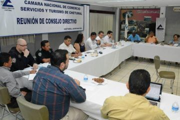 Coordina acciones Luis Torres para reactivar economía de Chetumal