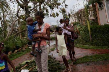 El huracán Matthew deja al menos 280 muertos y grandes destrozos a su paso por Haití