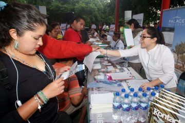 Inauguran la primera gran feria de empleo y servicios laborales en Puerto Morelos