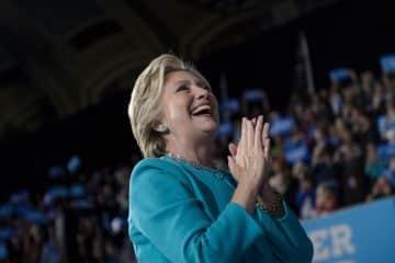 Logra Hillary simbólica victoria en la isla de Guam