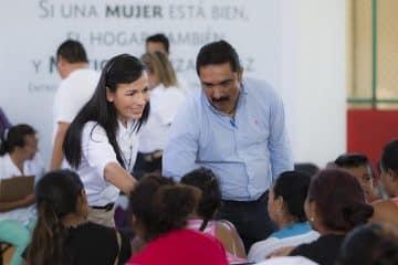 Agradece Laura Fernández respaldo de la SAGARPA a mujeres de Leona Vicario