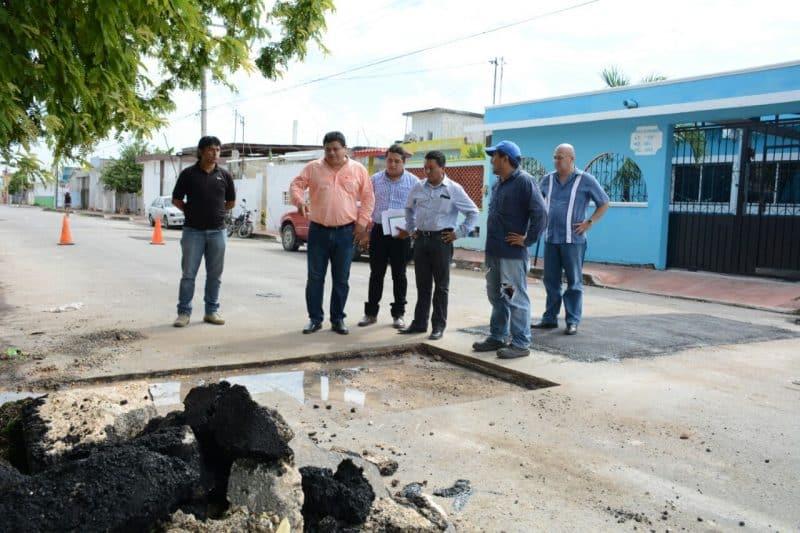 Supervisa Luis Torres trabajo de bacheo en la capital
