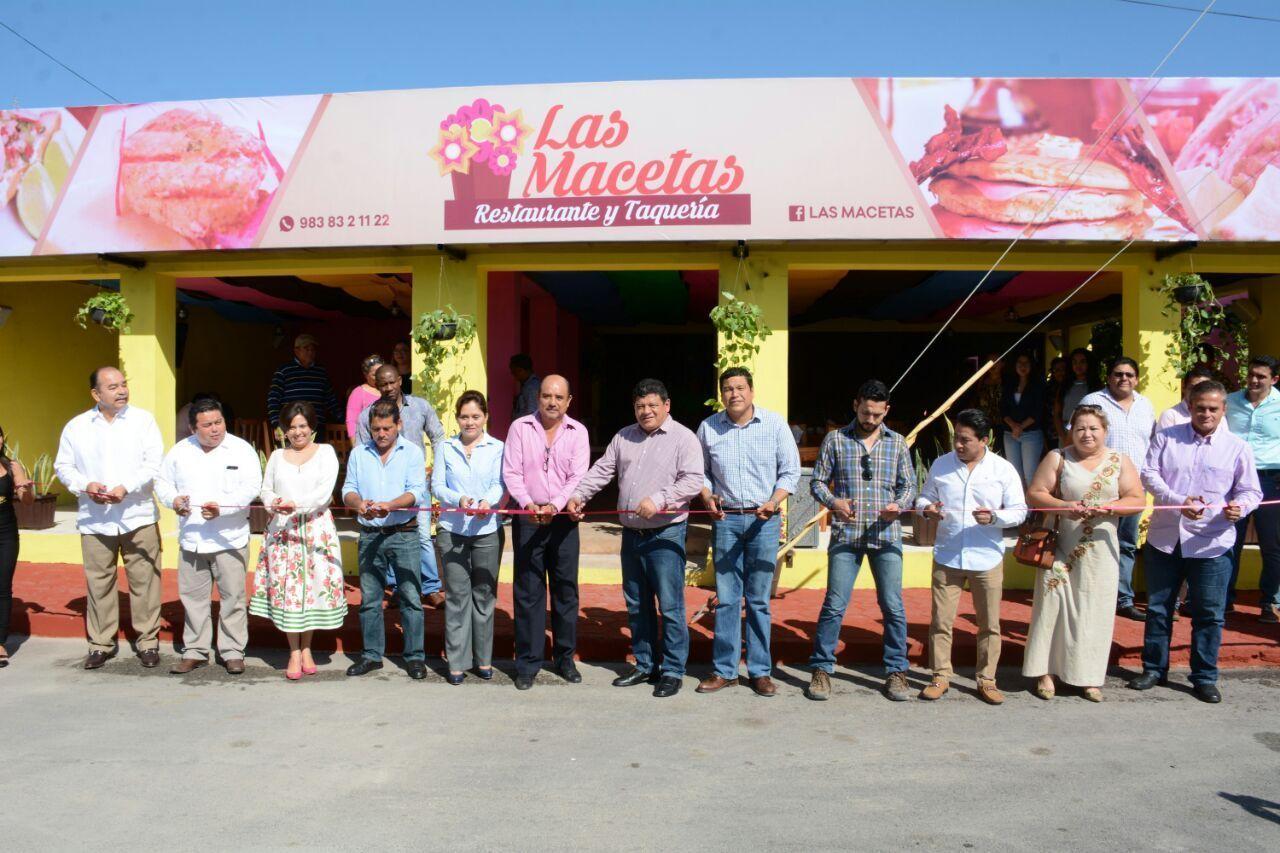 """Inauguran Restaurante y Taqueria """"Las Macetas"""""""