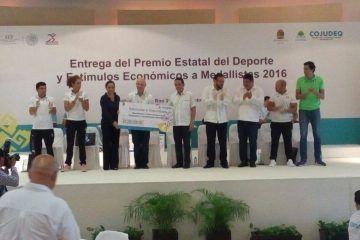 Entregan Premio Estatal del Deporte 2016