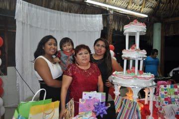 En la isla verde celebra su cumple Teresa Avilez Hoy