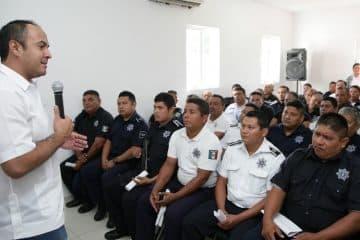 Fortalece Juan Carrillo la Seguridad Pública en Isla Mujeres