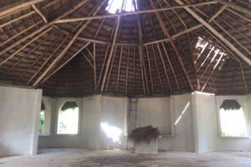 Feligreses de la comunidad de San Ramón piden apoyo para terminar su iglesia