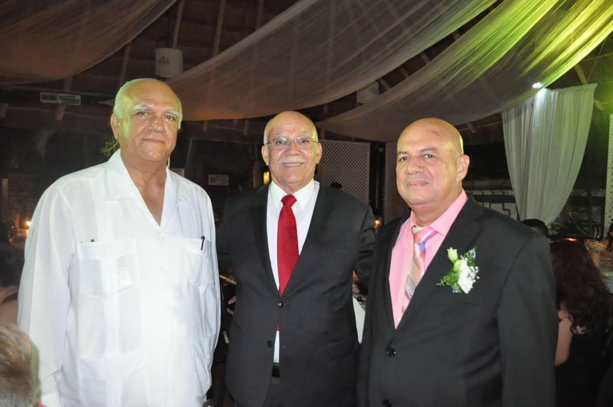 José Marrufo, José Farías y Miguel Montero.