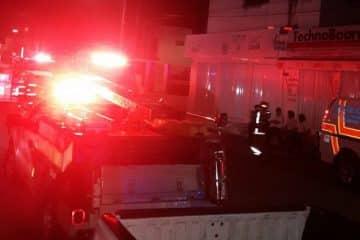 10 toneladas de productos calcinados dejó incendio en Super Aki Chetumal