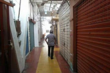 Locatarios de los mercados de Chetumal bajan cortinas ante amenaza de saqueos