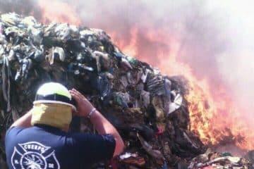 Sofocan incendio en el basurero de Chetumal