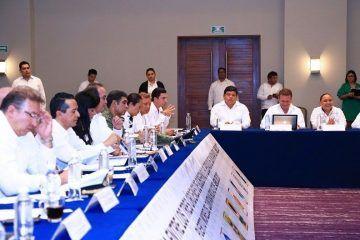 Asiste Cristina Torres a reunión plenaria entre los tres órdenes de gobierno en Quintana Roo
