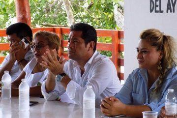 Alexander Zetina consolida vínculos con la base trabajadora del Ayuntamiento