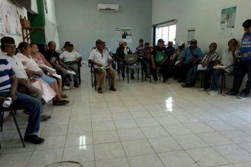 Inicia registro de Pro Agro en FCP, campesinos abarrotan oficinas de Sagarpa
