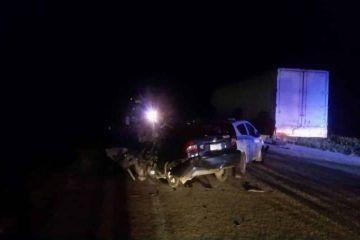 Encontronazo en el tramo Bacalar-Xtomoc deja saldo de un muerto y dos heridos