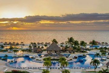 Por sismo, evalúan posibles daños en hoteles de Cancún