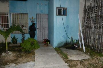 Indignante, madre maltrata a su hijo de 10 años por no vender los tamales