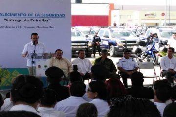 Llama Carlos Joaquín a sumar esfuerzos contra la inseguridad que amenaza Quintana Roo