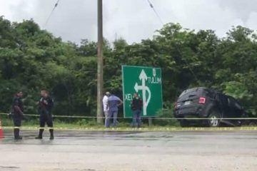 Rafaguean vehículo a la altura de Xel-Há; presuntamente involucrado en millonario asalto a Ejido