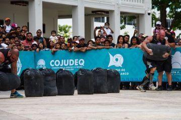 ((FOTOS)) Strongman Champions League Circuito cuatro bolsas de arena de poco más de 110 kilos cada uno